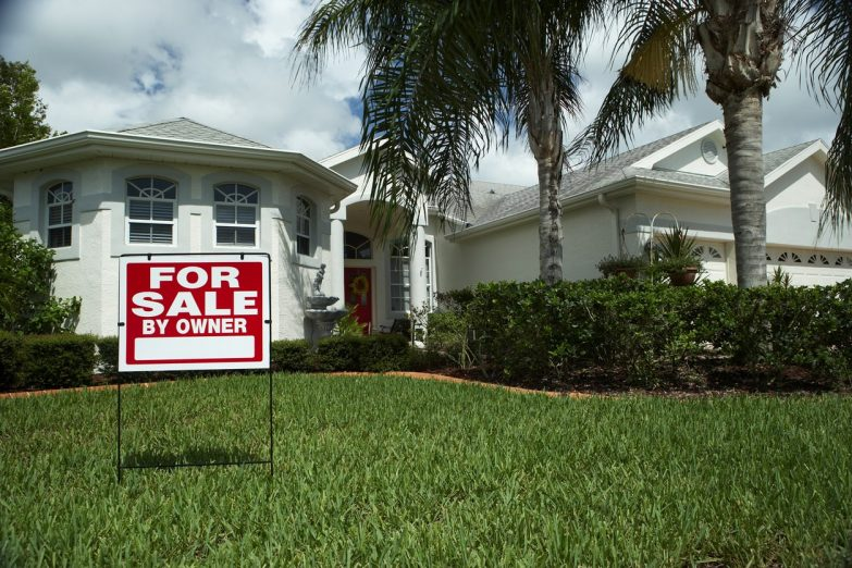 Pros and Cons of Selling by Owner in Lakeland